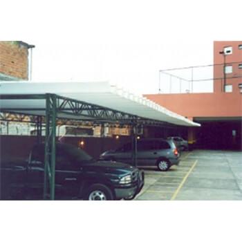 Cobertura de garagens para condomínios em Catanduva