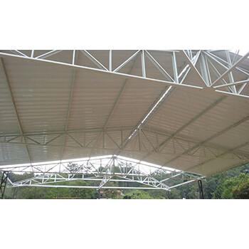 Fabricação de estrutura metálica para telhados no Ipiranga
