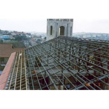 Reformas e construção de telhados